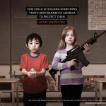 affiche publicitaire momsdemandaction.org